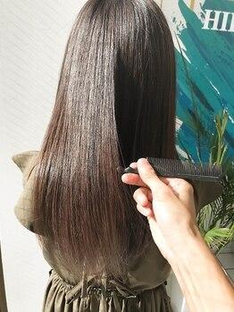 ヘアアンドエステ ヒロイン 西麻布本店(Hair&Esthe HIROIN)の写真/薬剤を使用しない最先端技術で常識を覆す!乾燥によるパサつきを抑え、潤いのある美しいストレートヘアへ