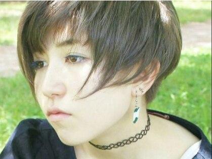 インクブルーヘアカラー(Ink blue hair color)の写真