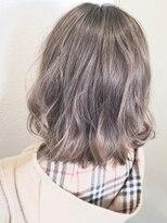 シェリア(Shelia)ダブルカラー×ホワイトグレージュ byマッチ【Shelia町田】