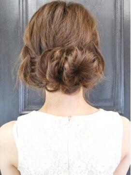 結婚式の髪型(ヘアアレンジ) 編み込み&タイトロープ無造作カジュアルルーズアレンジ
