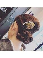 イーチ ディー ヘアーアンドトータルビューティー(each dee hair&total beauty)和装に変形夜会巻き 【each dee津田沼】