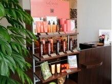 ヘアーアンドメイク アネラガーデン(HAIR&MAKE Anela garden)の雰囲気(ラ・カスタ プロフェッショナルのオーガニック商品もご用意♪)