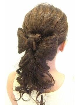 ポニーテールリボンヘアアレンジ(結婚式の髪型) ブリエ brillerブリエ