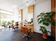 ヘアーアンドメイク アネラガーデン(HAIR&MAKE Anela garden)の雰囲気(広々したゆとりのある癒しの空間です^^)