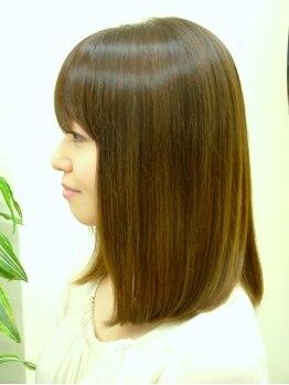 レヴェ(Rever)の写真/髪と肌に優しいフルボ酸カラー。色持ちもぐんとUPし、上品で艶のある色合いに♪手触りもするんとまとまる◎
