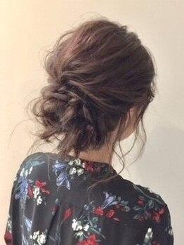 アリーズヘアー 青山(allys hair)の写真/【コテ巻きセット¥1100】雑誌のヘアメイク担当/着付け専門資格取得スタッフ在籍!有名モデルも惚れ込む技術