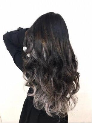 グラデーションカラー 黒髪ベース