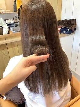 ロコヘアー(ROCO HAIR)の写真/【レディースカット+カラー+3ステップTR¥9680】傷み・広がり・ごわつき髪でも、天使の輪が出来る美髪に☆
