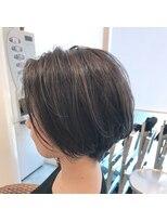 クーラ(Cura)【再現性抜群】 前髪なしショートボブ×ハイライト