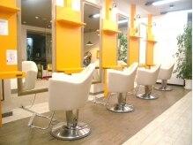 クラブヘアー パッション(CLUB HAIR PASSION)の雰囲気(落ち着いたメロディーの流れる清潔感のある明るい店内)
