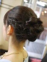 キーナ(Organic Hair KI-NA)編みこみシニヨン