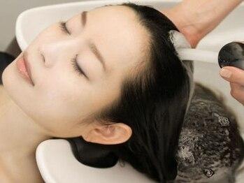 ヘアサロン カミワザ 茗荷谷店(hair salon Kamiwaza)の写真/【好評のスパがリニューアル◎】スキンケア発想のヘッドスパで、頭皮からベストコンディションに!