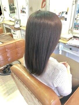 ファミーユ ヘア(Famille Hair)Gest Snap. 30、40代の方オススメ!美髪ストレート