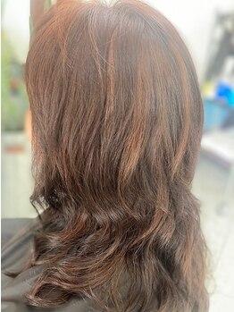 美容室 ヨツバ(yotsuba)の写真/お仕事や家事に追われ気が付けばちょこちょこ白髪…。大人気のダブルカラーで髪を元気にして気分もUP♪