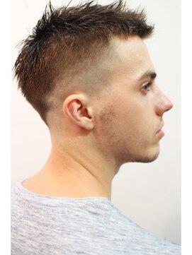 【メンズ・レディース別】外人のおしゃれな髪型|ツーブロック/刈り上げ