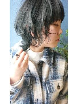 クブヘアー(kubu hair)《Kubu hair》グレージュネオウルフ