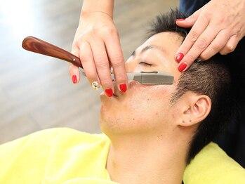 ヘアーリゾート ボンド 岐阜店(Bond)の写真/【Bond】では男性女性ともに顔剃りが付いたクーポンあり♪個室で顔剃りをしてくれるので周りが気にならない