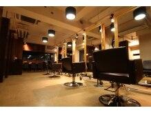 サフリック ヘアアンドビューティー スパ(safric hair&beauty spa)の雰囲気(大人の雰囲気が心地いい、極上のリラックス空間。)