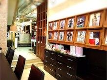 ラピス パルコ前店(LAPIS)の雰囲気(待ち合いからの風景。落ち着いた店内で、リラックスして頂けます)