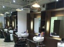 メンズデザイン ブレス(Men's Design BLESS)の雰囲気(<理容室>3席のみの落ち着いたカッコよさのある大人空間。)