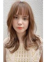 マグノリア オモテサンドウ(MAGNOLiA Omotesando)ぷつっと前髪の可愛いナチュラルミディアム・・・HINATA