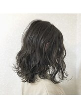 グラフィー(graphy)シアベージュ ツヤ髪