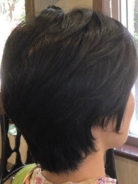 ヘアスタイル40代くせ毛