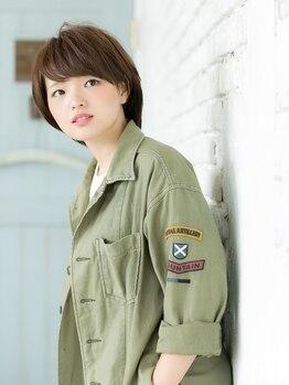 ナナ バイ ピケ(nana by pique)の写真/経験豊富なスタイリストが360゜美しいシルエットに♪カットだけでこんなに変わる!小顔魅せ&目力UPスタイル