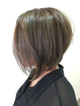 40代の人におすすめの髪型10選|若見えや小顔に見せるコツ!