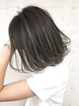 ロゼ 茨木(Rose)の写真/【全クーポン50%OFF】カット+カラー(リタッチ)+Tr¥3850/全体カラー¥3850/白髪もこだわりのデザイン性を―。