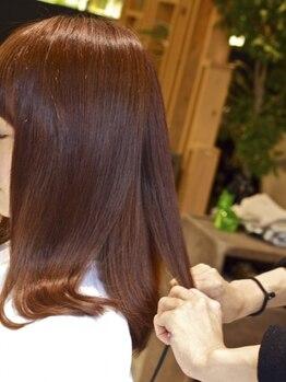 リバティ(LIBERTY)の写真/縮毛矯正で痛む時代はもう古い【LIBERTY】のダメージレスな縮毛矯正♪うるつや×サラサラの美髪をGETして☆