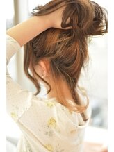 ノーマルヘアー(NORML HAIR)ミルクティーベージュオンonインナーカラー