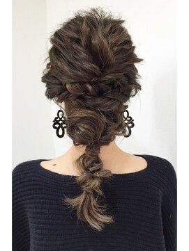ヘアアンドメイクジップ恵比寿 (Hair&Make ZIP)ツイストダウンアレンジ