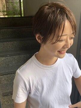 テテ ニコ(tete nico)夏に大人気のサマーベージュ×小顔ハンサムショート