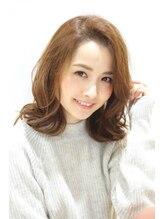 ヘアリゾート アジア(Hair Resort Asia)ベージュカラーのセミストレート