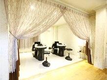 ラ ヴィ ルヴィ ヘアー(La vie rubis hair)の雰囲気(癒しの空間でのシャンプー台でリラックスできます。)