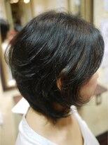 キーナ(Organic Hair KI-NA)くせを活かしたひし形シルエットヘア