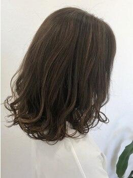ヘアメイク ポーション(Hair make potion)の写真/オシャレを楽しみたいオトナ女性にオススメ★髪の強度を上げながら、ダメージを受けにくい髪質に♪