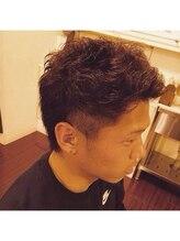 ヘアーアンドメイク カズヨカリーノ(Hair&Make CAZUYO Carino)黒髪、短髪、硬派