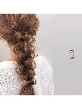 ヘアーメイクアンドネイル エフプラス(hairmake&nail F PLUS)【F PLUS!-エフプラス-】ダウンアレンジ