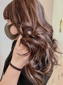 ラキ(Laki)の写真/透明感カラーで質感にこだわる方必見!!艶を出しながら髪をキレイに魅せていくので、今よりもっと華やかに☆