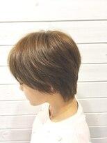 バース ヘアデザイン(Birth hair design)ショートレイヤーとハイトーンカラー