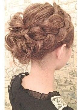 ヘアーブランド ビーアーツ(hair brand b arts)【b-arts】人気NO1!編み込みアレンジ★結婚式に~♪