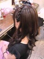 セットサロンエース(Set salon Ace)編み込みカチューシャのダウンスタイル