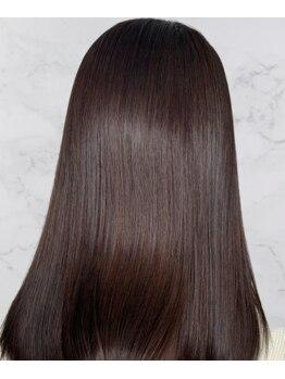 レム 桜井店(rem…)の写真/【最新の白髪予防】厳選された薬剤で自然な仕上がりを実現、白髪を増やさない頭皮スパが大人気♪