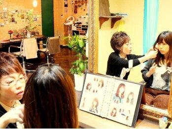 ヘアードレッサーズ アトリエ アンジー(Hair Dresser's Atrie Angie)の写真/《スタイリスト2名×2席》カウンセリング~仕上げまでマンツーマン施術だから『やっぱりこうしたい』もOK◎