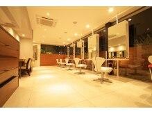 ヘアメイク ワンズカラー 東加古川店(hair make 1's Color)の雰囲気(【ゆったりスペースが嬉しい】)