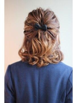 結婚式髪型 ミディアムハーフアップ ふわふわルーズハーフアップ