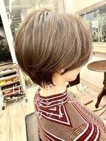 自然な毛流れが素敵なショートカット