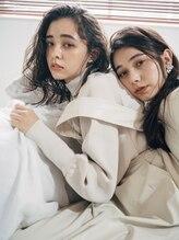 シー(,SHE)2020-2021 Autumn/Winter Key Visual